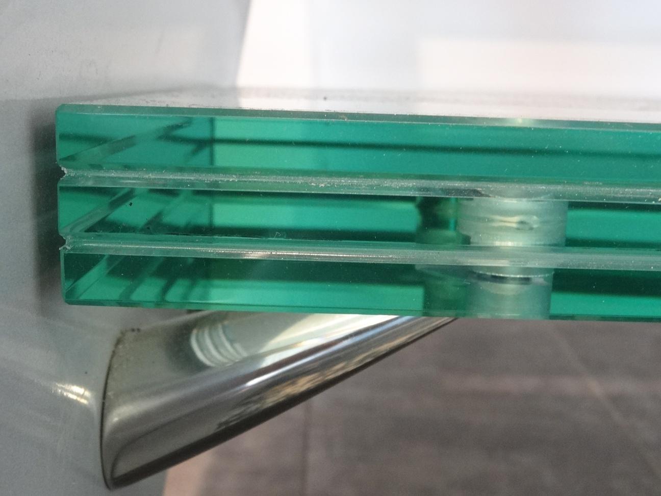 invention de l 39 anti effraction bh vitrier paris artisan vitrerie miroiterie. Black Bedroom Furniture Sets. Home Design Ideas