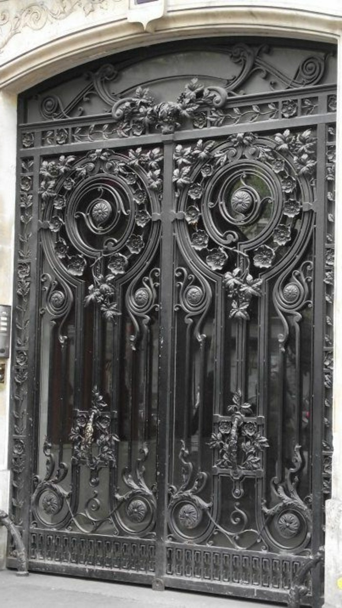 porte en fer forg ext rieur art ornements motifs floraux porte en verre bh vitrier paris